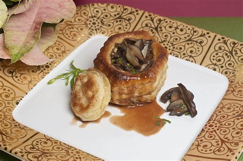 cuisine bordelaise mushrooms escargot in puff pastry with bordelaise
