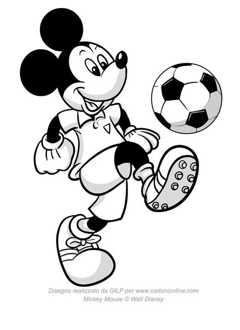 disegni di calcio da colorare disegno di topolino che palleggia con un pallone da calcio
