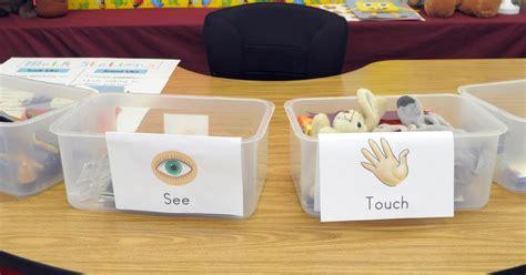 Exploring Scie E  Senses Investigation Box