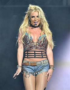 Britney Spears' 'Slave 4 U,' Super Bowl costumes and more ...