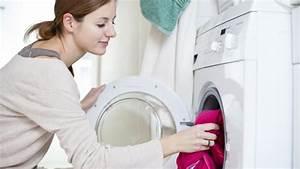 Waschmaschine Geruch Entfernen : was sie gegen schimmel in der waschmaschine tun k nnen ~ Orissabook.com Haus und Dekorationen