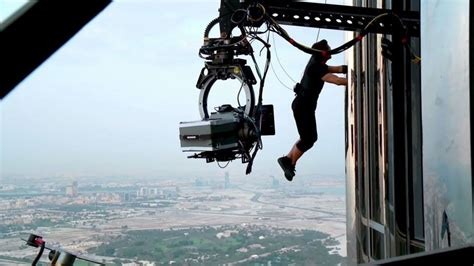 Tom Cruise To Perform Mind Blowing Stunt In Mission