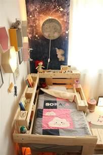 kuschelecke kinderzimmer ᐅ palettenbett für kinder kinderbett aus europaletten diy anleitung