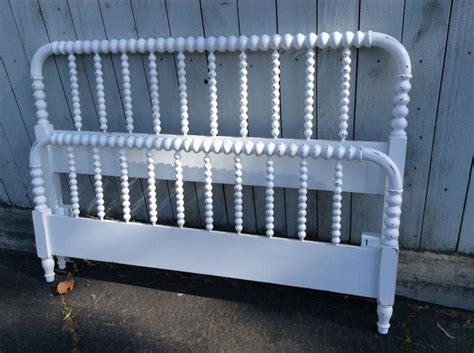 Spindle Headboard And Footboard by Stunning Vintage Semi Gloss White Spindle