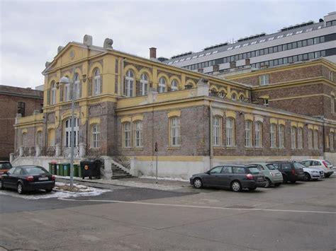 Bankgebaeude In Wien by Ehem Bankgeb 228 Ude Im Zentralviehmarkt St Marx 1 3