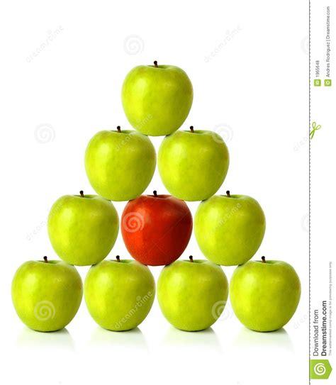 Groene Appelen Op Een Piramidevorm - Verschillend Ben ...