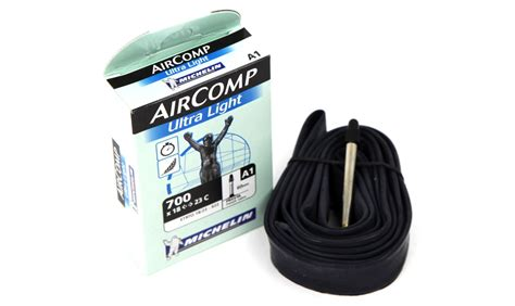 chambre air 700x23c michelin aircomp ultralight 700 pneus vtt pneus
