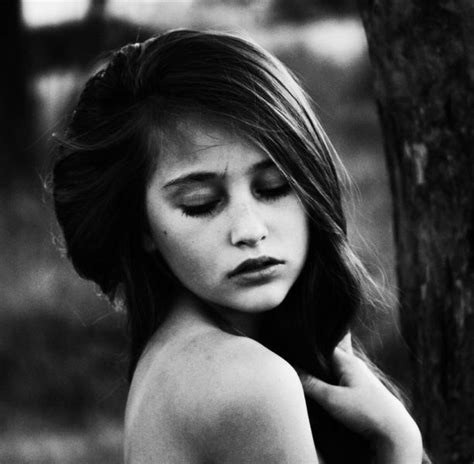 beautiful  artistic female portraits  pics