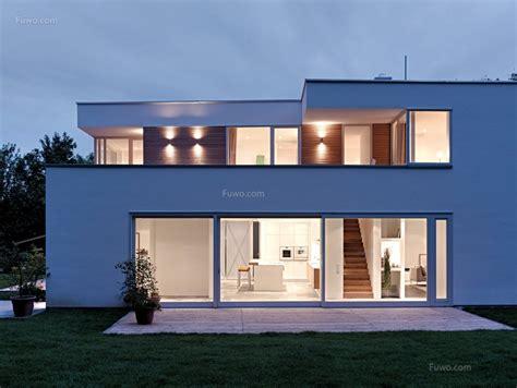 Moderne Häuser Balkon by 二层别墅外观图片大全 装修效果图设计案例 爱福窝装修效果图