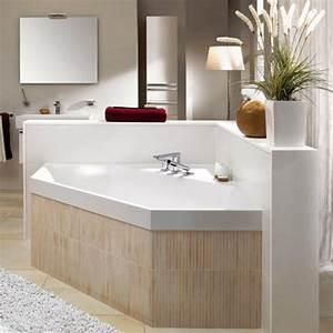 Eck Spiegelschrank Bad : eine sechseck badewanne w rde super in ihrem bad wirken ~ Frokenaadalensverden.com Haus und Dekorationen