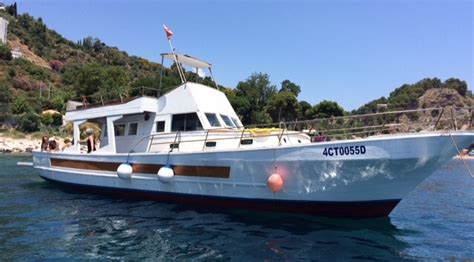 Dive Sicily - scuba diving and snorkeling tours in taormina isola