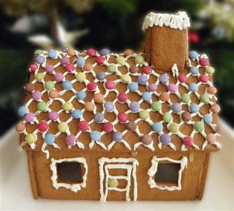 Decorating Ideas Gingerbread Houses by Decorate A Gingerbread House For