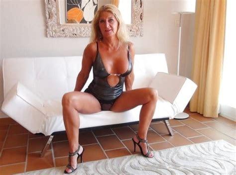 GILFS MILFs Sexy Nude Nonnude Seductive Pics XHamster