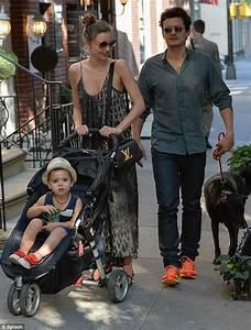 Orlando Bloom & Miranda Kerr: Big Apple Stroll with Flynn ...