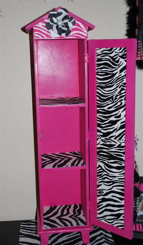 Pink Zebra Bedroom by Best 25 Zebra Bedroom Decorations Ideas On