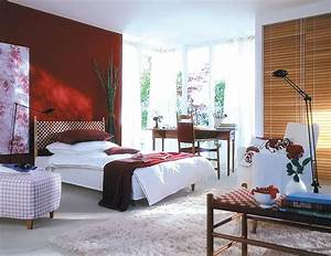 einrichten sinnliches rot furs schlafzimmer bild 17 With balkon teppich mit bordeaux rote tapete