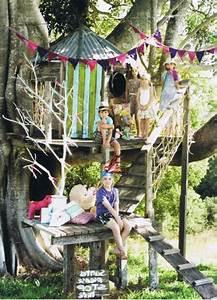 Bauen Für Kinder : baumhaus hoch bauen kinder spielen mitten im wald ~ Michelbontemps.com Haus und Dekorationen