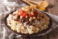 cuisine egyptienne kushari koshari nourriture égyptienne photo stock
