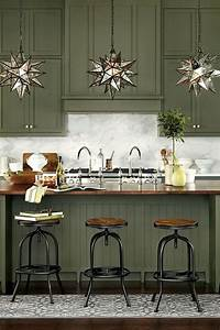 80 cool kitchen cabinet paint color ideas With kitchen cabinet trends 2018 combined with metal stars wall art