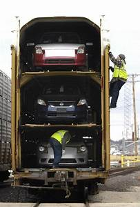 Pacific Auto : look inside union pacific west chicago auto facility ~ Gottalentnigeria.com Avis de Voitures