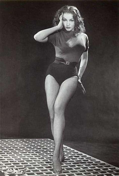 Sexy Julie Newmar | Hot Pics & Photos