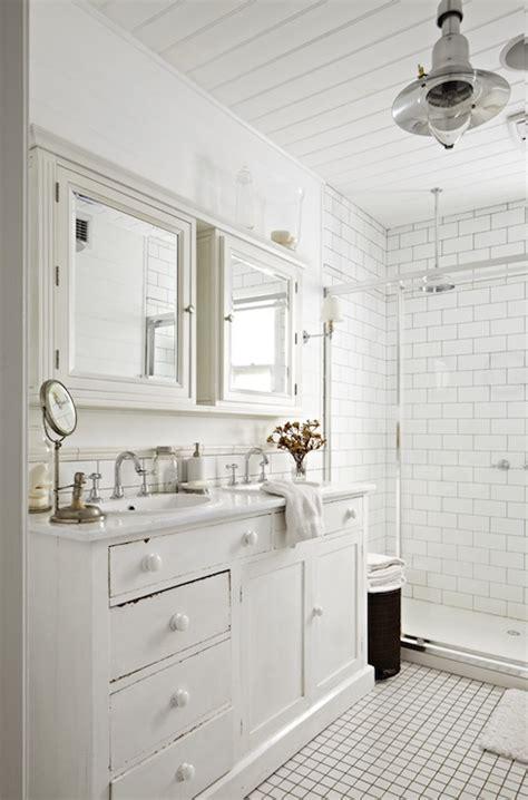 Cottage Bathroom Design by Cottage Bathroom Design Ideas