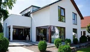 Faire construire qu39est ce qu39un constructeur de maisons for Maison avec baie vitree