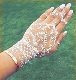 Cool Henna Tattoo Designs for Hands