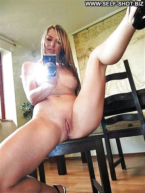 Astrid Private Pictures Self Shot Hot Mature Amateur ...