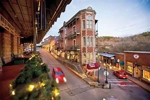 Eureka Springs, Arkansas - Small-Town Weekend Getaways