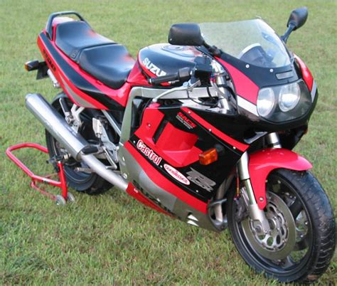 suzuki gsx  series wikipedia