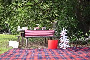 Christmas Picnic (& other outdoor decoration ideas) – Be A
