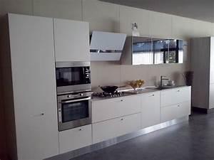Cucina Valdesign Cucine Cucina laccata bianco opaco con maniglia ad inserto Cucine a prezzi