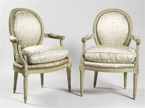 fauteuil medaillon epoque louis xvi