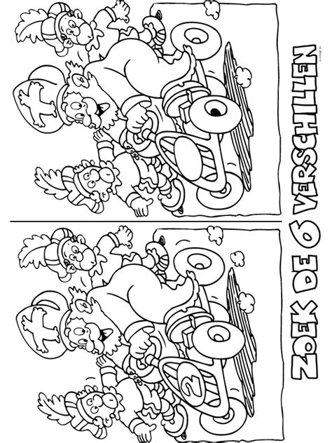 Kleurplaat Voetbal Piet by Voetbal Piet Kleurplaat 1001 Kleurplaten Sinterklaas