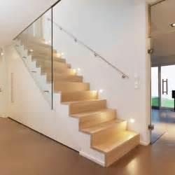 leiter treppe die besten 17 ideen zu handlauf holz auf treppengeländer holz geländer und geländer