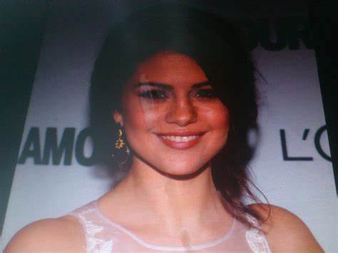 Selena Gomez Facial Tribute Waiting For That Load