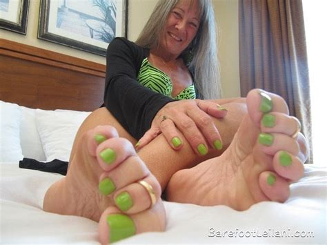Pov Foot Tease With Green Toes Free Txxx Tube Hd Porn 7d