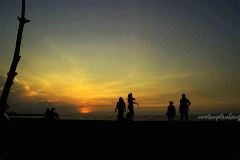 bersantai menikmati senja  pantai marina semarang