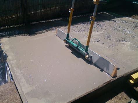 r 233 alisez une dalle en b 233 ton pour votre abri de jardin