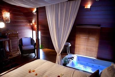 hotel avec bain a remous dans la chambre chambre d 39 hotes avec le clos des vignes neuville
