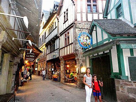 auberge st mont st michel tourisme guide touristique mont michel