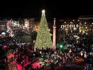 Christmas Lights Middle Tennessee Merry And Bright Franklin Lights It Christmas Tree With