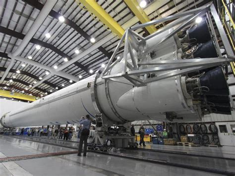 nasa falcon  rocket