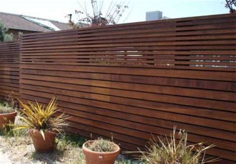 Garden And Lawn , The Advantages Of Fencing Gardens