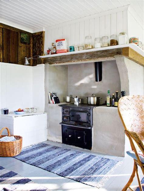 a lovely cottage in småland sweden Interiores de casas