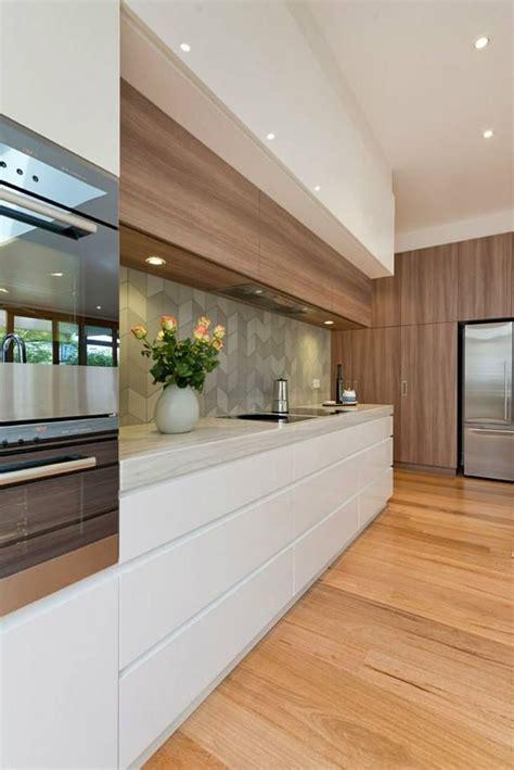 interior design of kitchen best 25 galley kitchen design ideas on 4783