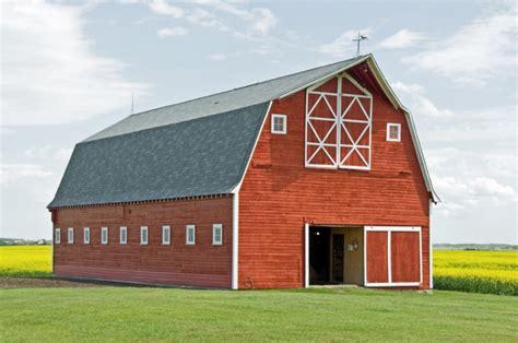building  quaker barn hipagescomau