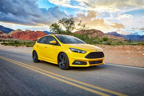 ford focus 2017 ford focus sedan hatchback designed to inspire