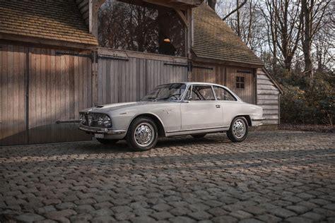Alfa Romeo 2600 Sprint by Alfa Romeo 2600 Sprint 1965 Włochy Giełda Klasyk 243 W